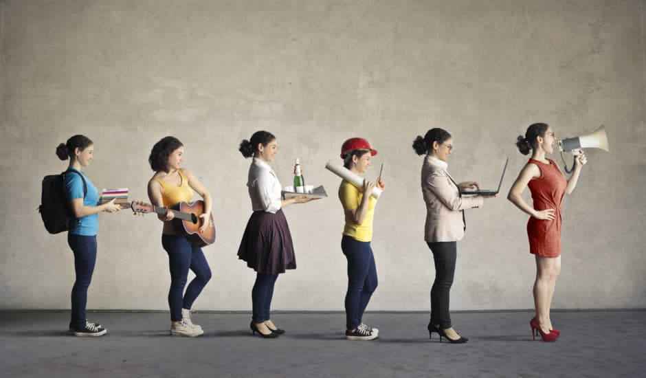 Six images of the same woman in a line, all wearing different outfits and carrying different accessories.